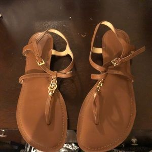 Micheal kors tan sandals with logo
